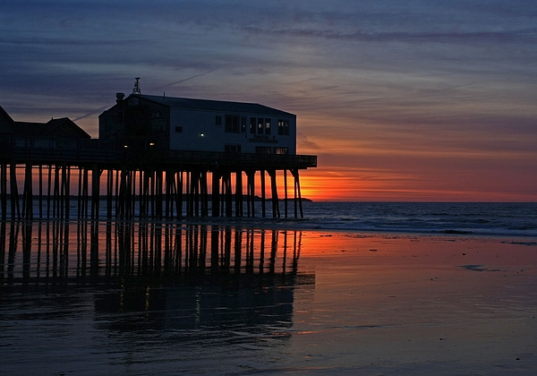 Maine Photograph - Old Orchard Beach Sunrise by Laurie Breton