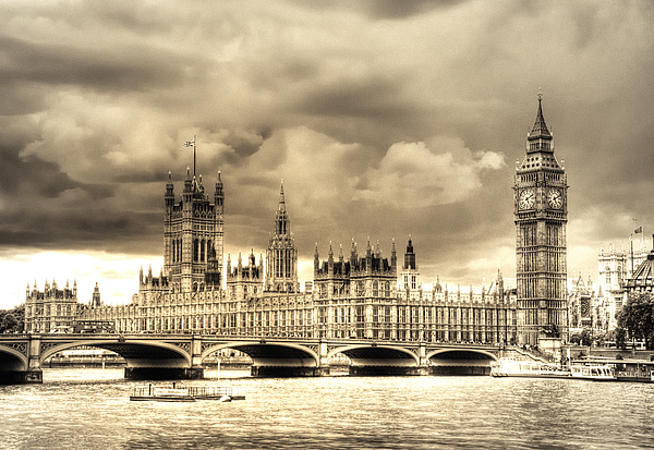 Westminster Photograph - Old Westminster In London by Vicki Jauron