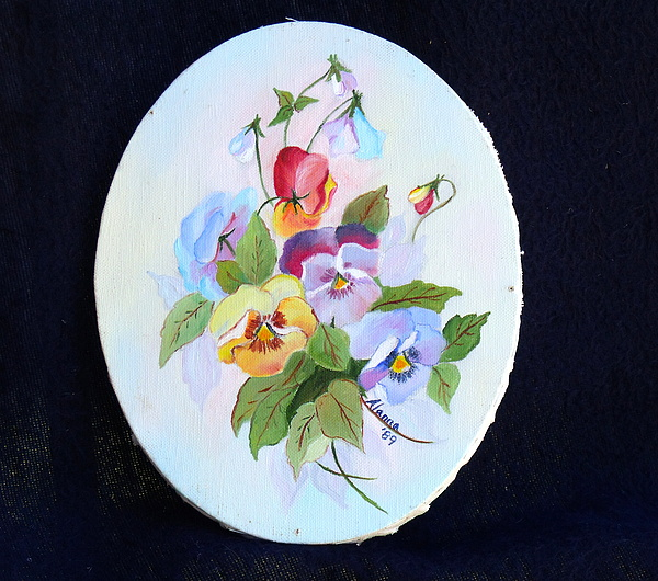 Floral Painting - Pansies Posing by Alanna Hug-McAnnally