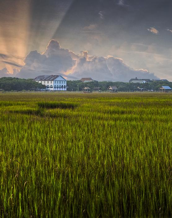 Pawleys Island Photograph - Pelican Inn Sunrise by Ginny Horton