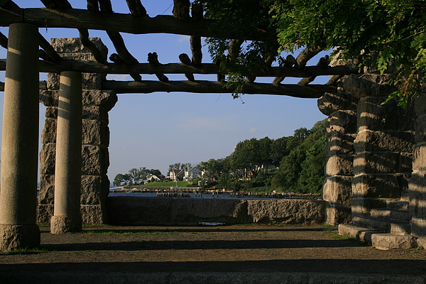 Glen Cove Photograph - Pergola by Christopher Kirby