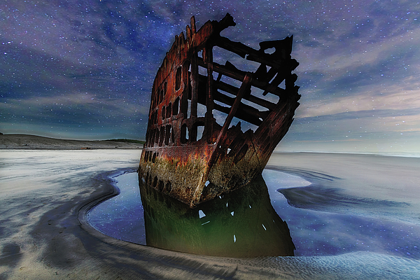 Peter Iredale Photograph - Peter Iredale Shipwreck Under Starry Night Sky by David Gn