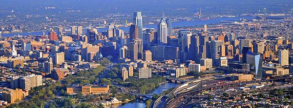Philadelphia Skyline Photograph - Philadelphia Museum Of Art And City Skyline Aerial Panorama by Duncan Pearson