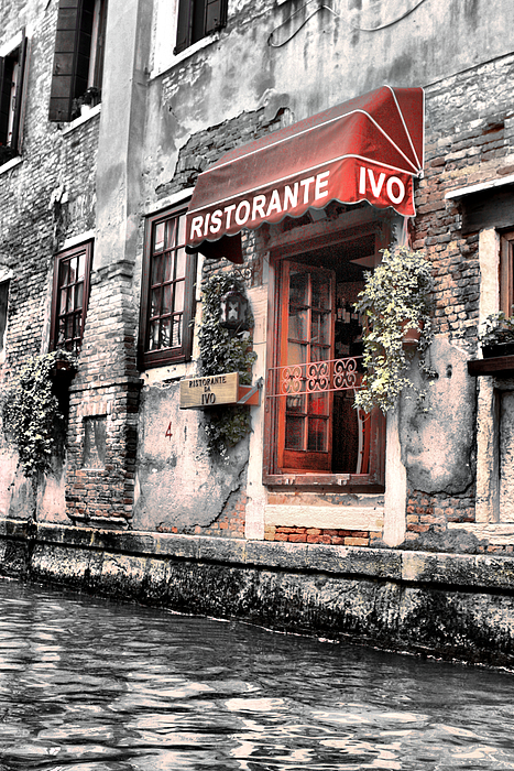 Building Photograph - Ristorante On The Canals by Greg Sharpe