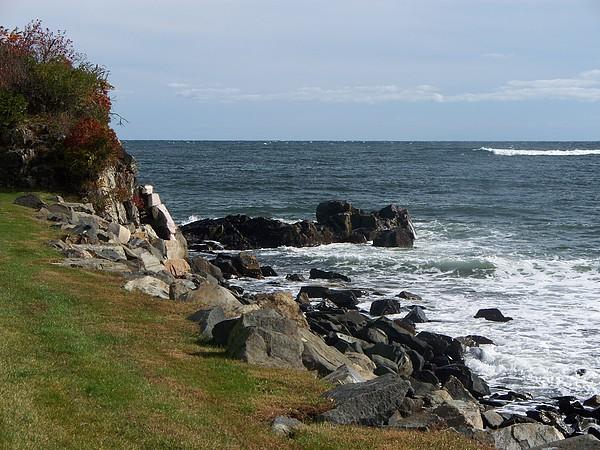 Seascape Photograph - Rocky Cliffside by Rosanne Bartlett