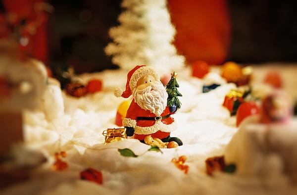 Santa Claus Photograph - Santa In Town by Sun Wu