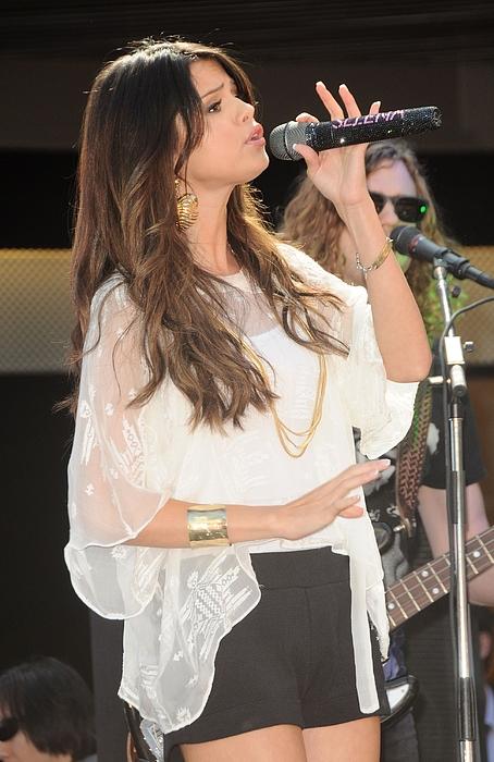 Selena Gomez Photograph - Selena Gomez At A Public Appearance by Everett