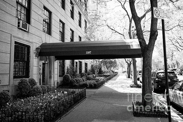 Sidewalk Photograph - sidewalk canopy outside expensive luxury apartment building 1107 5th avenue upper east side & sidewalk canopy outside expensive luxury apartment building 1107 ...