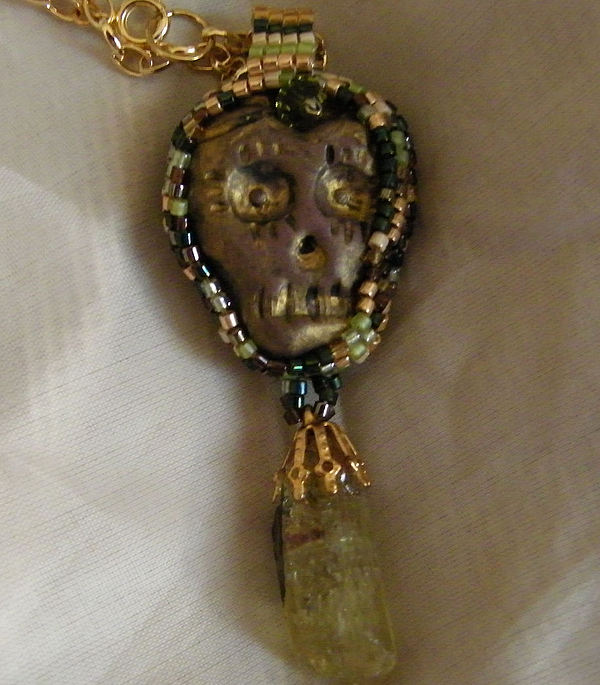 Beadwork Jewelry - Skull Pendant by Laurie Silva