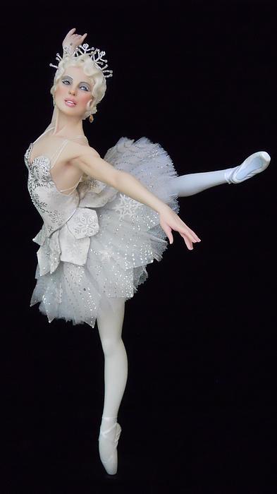 Ballet Sculpture - Snow Queen by Vickie Arentz