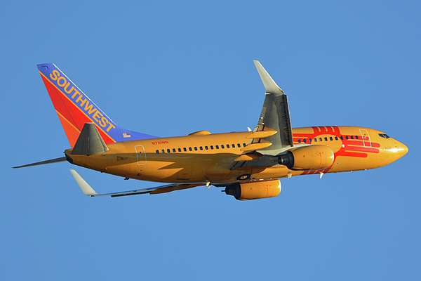 Airplane Photograph - Southwest Boeing 737-7h4 N781wn New Mexico One Phoenix Sky Harbor November 11 2017 by Brian Lockett
