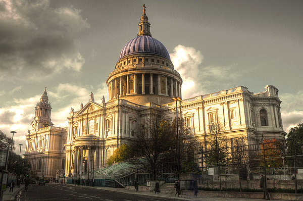 St Pauls Cathedral Photograph - St Pauls Cathedral by Rob Hawkins