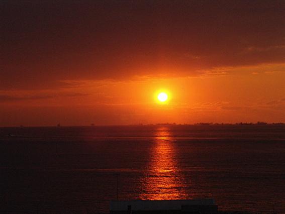 Landscape Photograph - Sundown Photo At Istanbul by Zerrin Gurdal