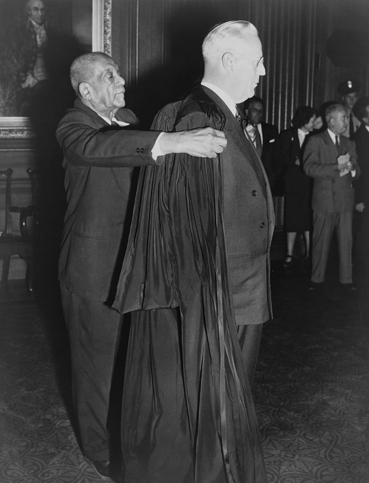 History Photograph - Supreme Court Chief Justice Earl by Everett