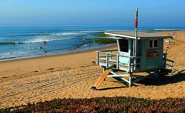 Surfrider Beach Photograph - Surfrider 4th by Ron Regalado