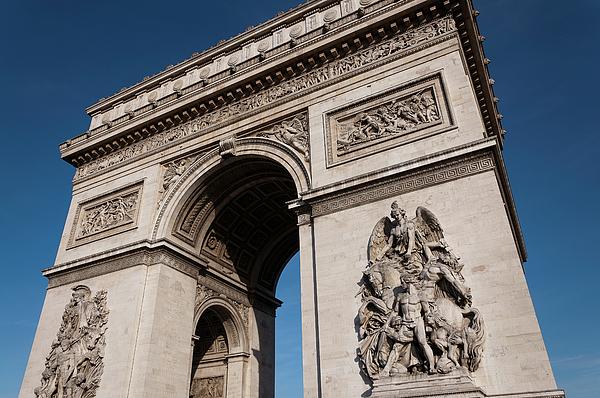 The Arc De Triomphe Photograph by D Plinth