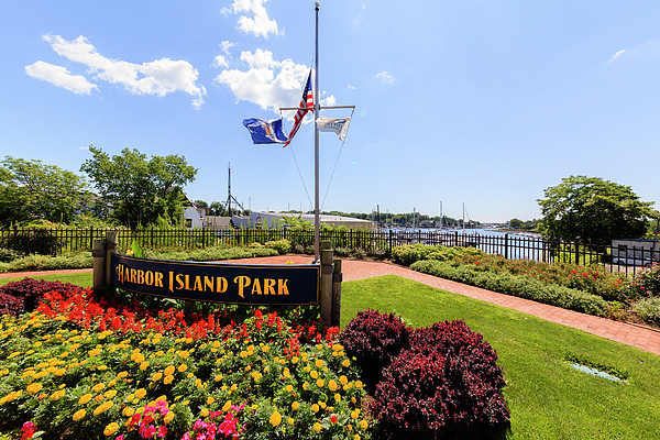 Flag Photograph - The Harbor Island Park In Mamarineck, Westchester County by Alex Potemkin