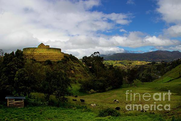 Inca Photograph - The Inca-canari Ruins At Ingapirca V by Al Bourassa