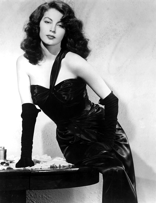 1940s Movies Photograph - The Killers, Ava Gardner, 1946 by Everett
