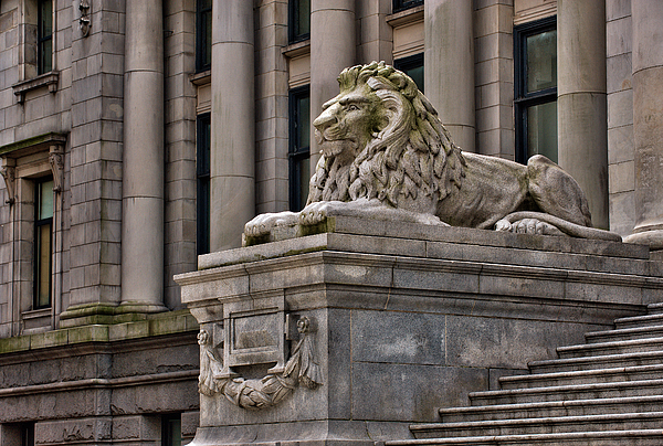 Canada Photograph - This Is British Columbia No.48 - Vancouver Art Gallery Lion by Paul W Sharpe Aka Wizard of Wonders