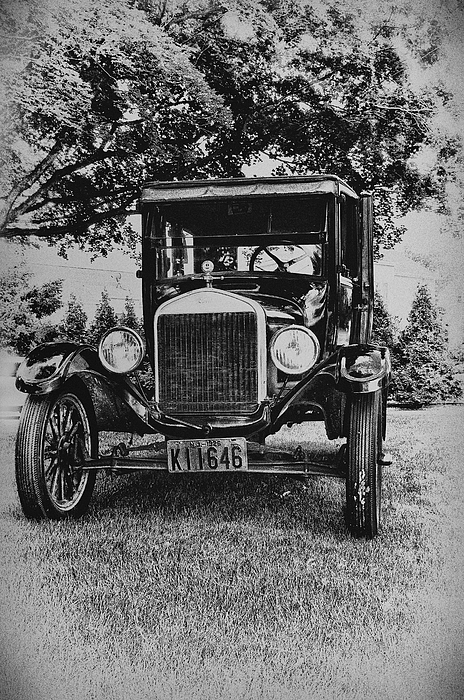 Ford Model T Photograph - Tin Lizzy - Ford Model T by Bill Cannon