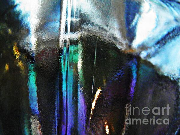 Abstract Photograph - Transparency 4 by Sarah Loft