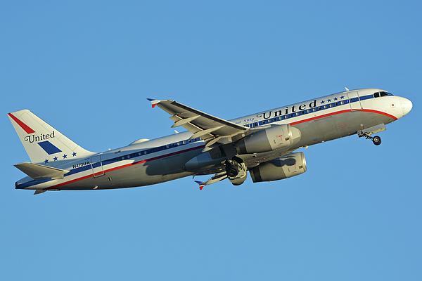 Airplane Photograph - United Airbus A320-232 N475ua Friend Ship Phoenix Sky Harbor November 11 2017 by Brian Lockett