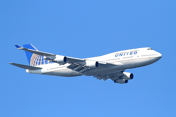 Transportation Photograph - United Airlines Boeing 747 . 7d7850 by Wingsdomain Art and Photography