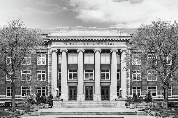 University Of Minnesota Photograph - University Of Minnesota Smith Hall by University Icons