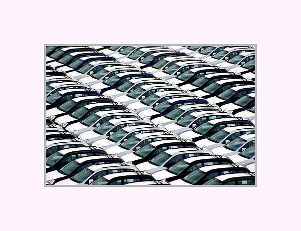 Cars Photograph - Waiting For Customer by Pradeep Subramanian