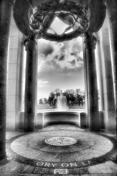 War Memorial Photograph - World War II Memorial by Steven Ainsworth