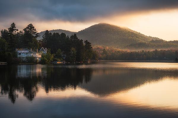 Mirror Lake Inn Photograph by Tzvika Stein
