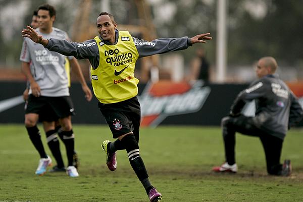 Corinthians Training Session Photograph by Eduardo Anizelli
