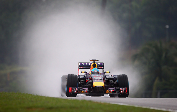 F1 Grand Prix of Malaysia - Qualifying Photograph by Clive Mason