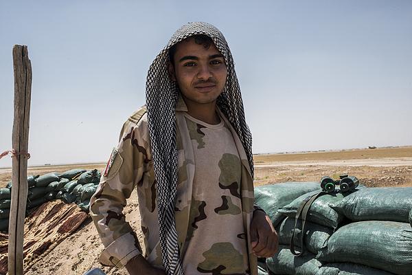 Iraqi Shia Militias Push Islamic State From Iraq-syria Border Photograph by Martyn Aim