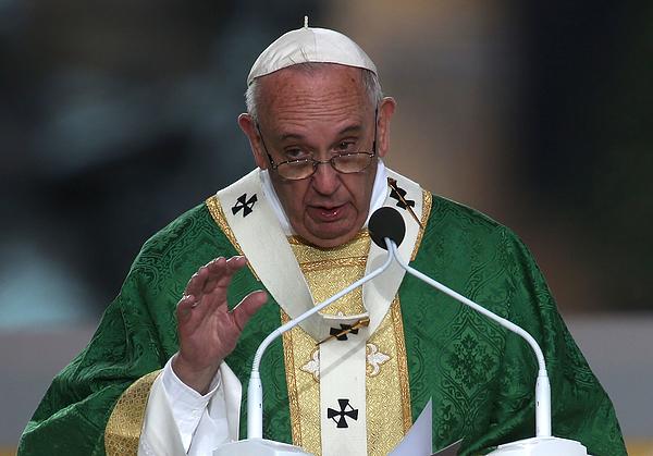 Pope Francis Celebrates Mass On Philadelphias Benjamin Franklin Parkway Photograph by Justin Sullivan