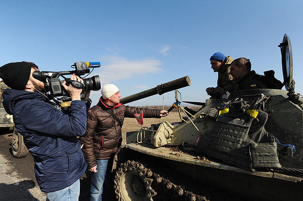 Ukrainian Military Continues Withdrawal From Positions In Eastern Ukraine Photograph by Scott Peterson