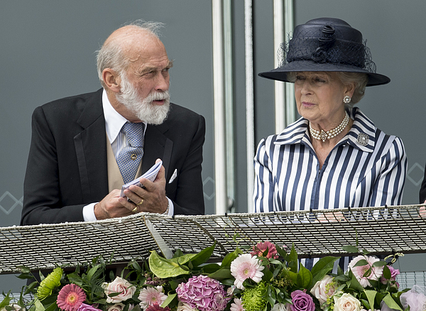 Investec Derby Festival - Derby Day Photograph by Mark Cuthbert