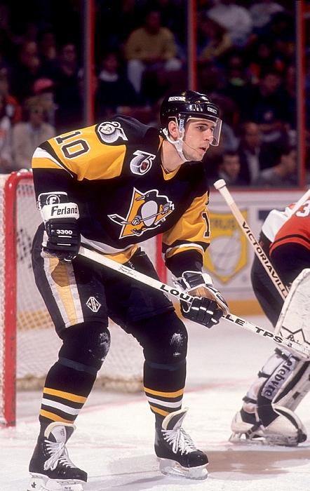 Pittsburgh Penguins v Philadelphia Flyers Photograph by Bruce Bennett
