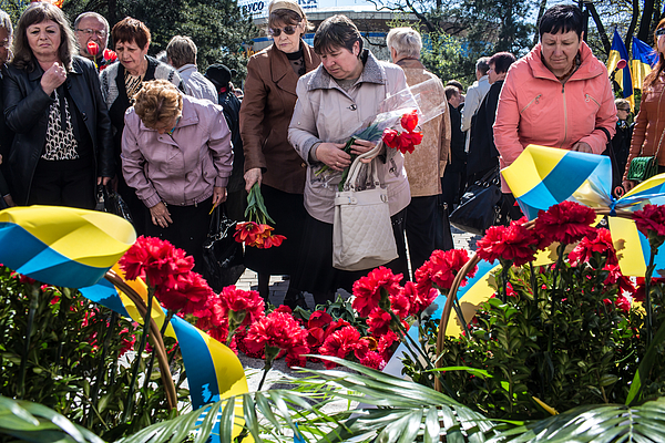 Us Urges Russian Action As Tension Mounts In Eastern Ukraine Photograph by Brendan Hoffman