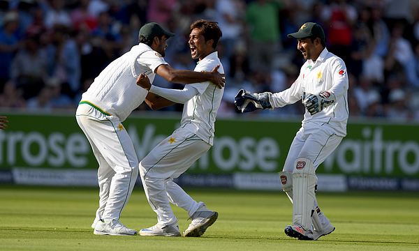 England v Pakistan: 1st Investec Test - Day Four Photograph by Stu Forster