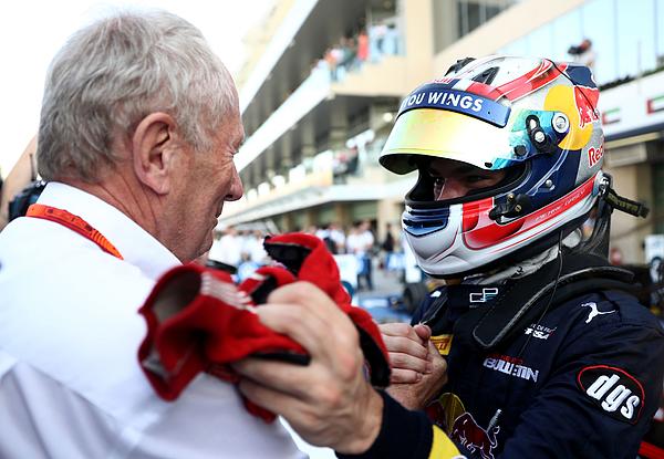 F1 Grand Prix of Abu Dhabi Photograph by Lars Baron