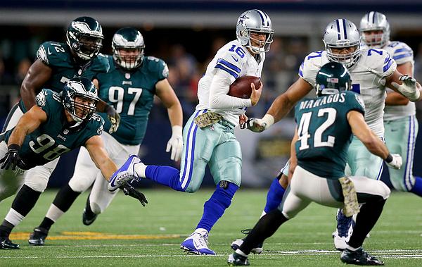Philadelphia Eagles v Dallas Cowboys Photograph by Ronald Martinez