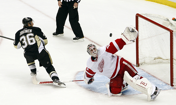 Detroit Red Wings v Pittsburgh Penguins Photograph by Justin K. Aller