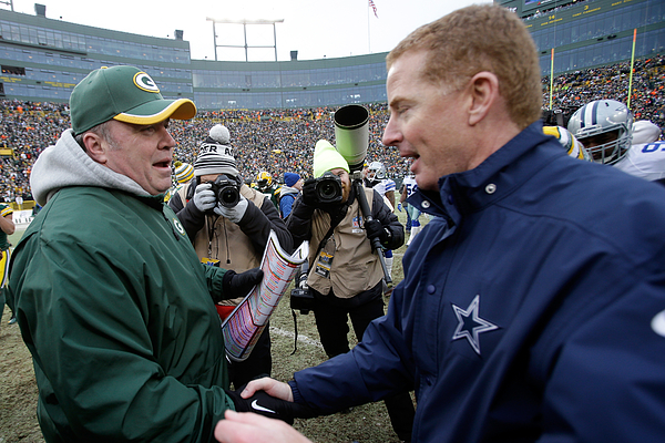 Divisional Playoffs - Dallas Cowboys v Green Bay Packers Photograph by Mike McGinnis