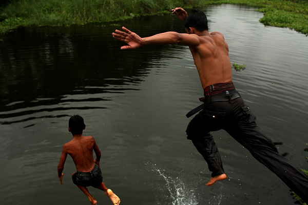 Impoverished Bangladesh Hard Hit By Global Food Crisis Photograph by Spencer Platt
