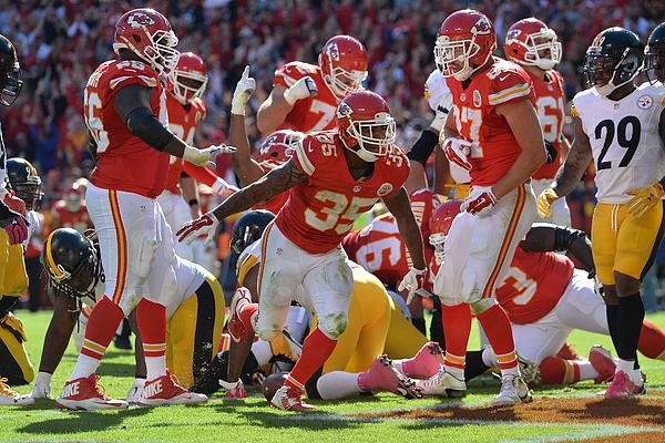 Pittsburgh Steelers v Kansas City Chiefs Photograph by Peter Aiken