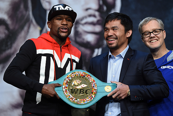 Floyd Mayweather Jr. v Manny Pacquiao - News Conference Photograph by Ethan Miller