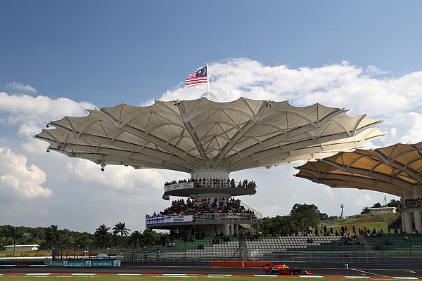 F1 Grand Prix of Malaysia Photograph by Mark Thompson