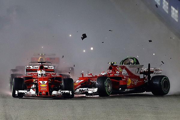 F1 Grand Prix of Singapore Photograph by Lars Baron